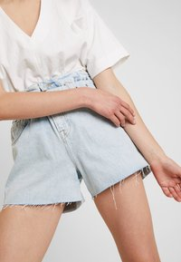 AllSaints - HANNAH PAPER BAG - Denim shorts - light-blue denim - 5