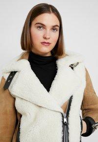 AllSaints - ELIA SHEARLING - Leather jacket - toffee/chalk white - 3