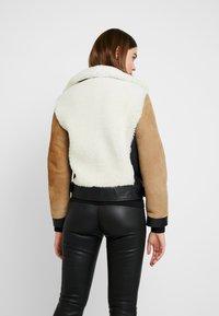 AllSaints - ELIA SHEARLING - Leather jacket - toffee/chalk white - 2
