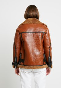 AllSaints - HAWLEY SHEARLING - Leather jacket - rust brown - 2