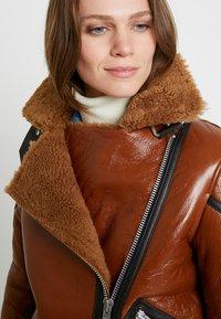 AllSaints - HAWLEY SHEARLING - Giacca di pelle - rust brown - 3
