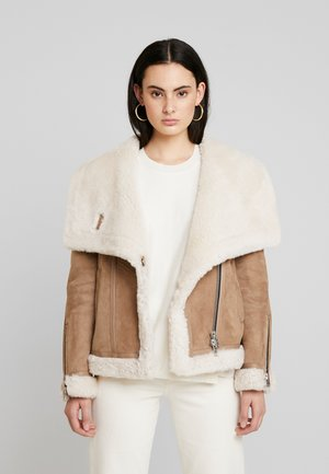HARLOW SHEARLING - Leather jacket - toffee/ecru white