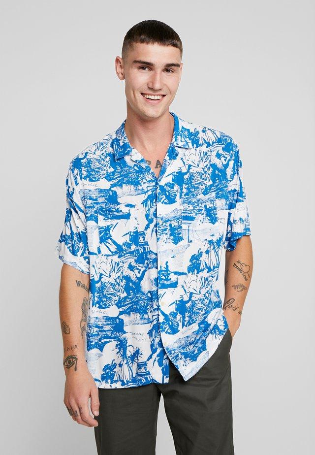 AWA - Skjorter - white/blue