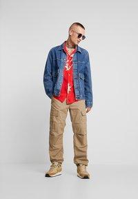 AllSaints - MOKAPU SHIRT - Košile - tsuru red - 1