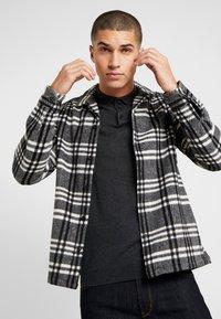 AllSaints - ZENITH SHIRT - Skjorte - grey - 3