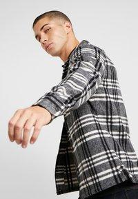 AllSaints - ZENITH SHIRT - Skjorte - grey - 4