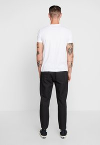 AllSaints - LUCKETT TROUSER - Kangashousut - washed black - 2