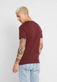 AllSaints - TONIC CREW - Basic T-shirt - maroon red - 2