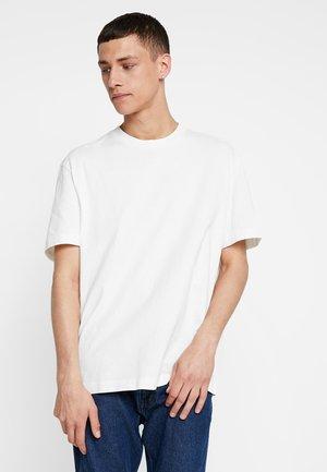 MUSICA CREW - T-shirts - chalk white