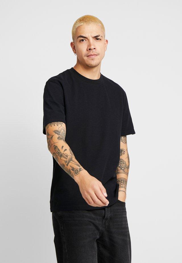 SAGE CREW - T-shirts basic - jet black