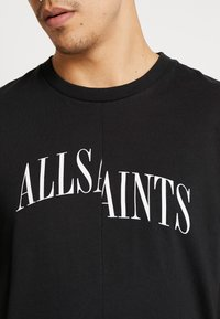 AllSaints - DROPOUT CREW - T-shirt z nadrukiem - jet black - 4