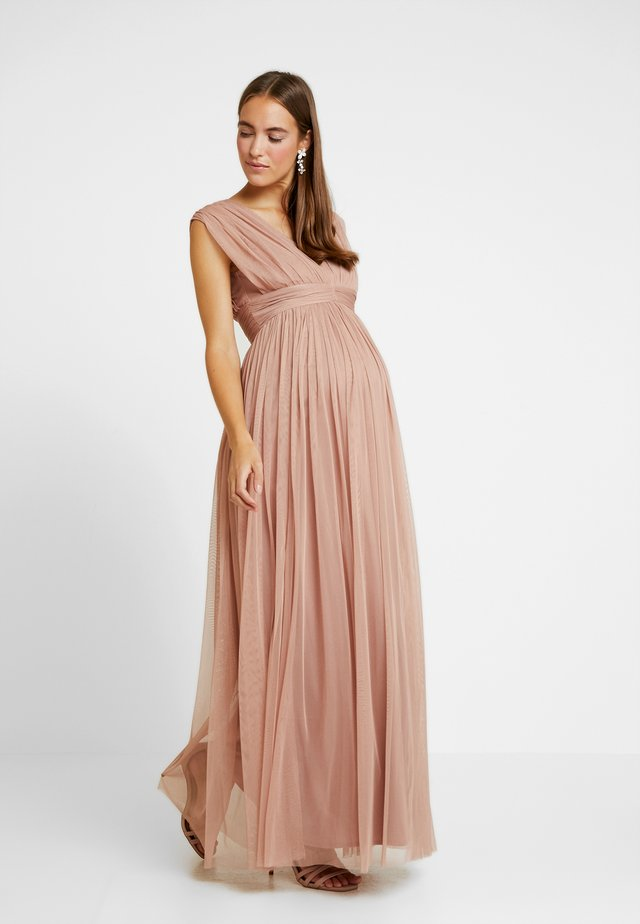 GATHERED V FRONT MIDI DRESS - Galajurk - pearl blush