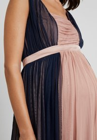 Anaya with love Maternity - CONRAST GATHERED MAXI DRESS WITH WAISTBAND - Vestido de fiesta - navy/pearl blush - 5