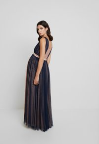 Anaya with love Maternity - CONRAST GATHERED MAXI DRESS WITH WAISTBAND - Vestido de fiesta - navy/pearl blush - 3