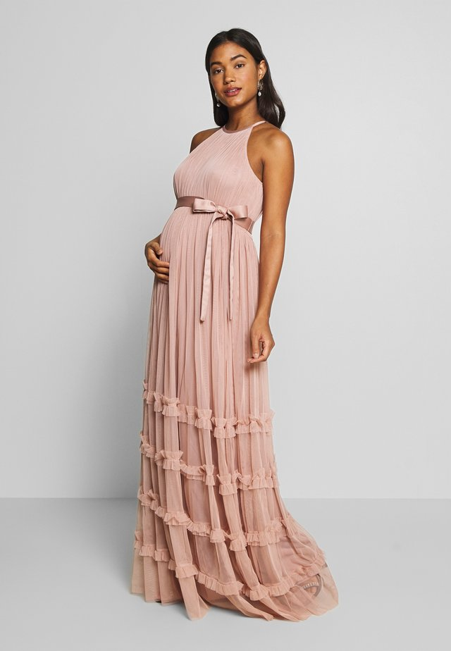 HALTER NECK MAXI DRESS WITH RUFFLE DETAIL SKIRT - Galajurk - pearl blush