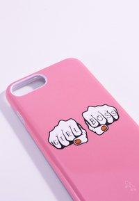 Antwerp Avenue - iPhone 6/7/8 PLUS - Étui à portable - rose - 3