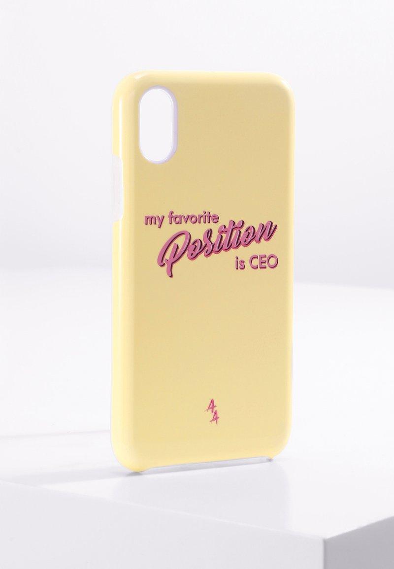 Antwerp Avenue - IPHONE X/XS - Telefoonhoesje - yellow pink