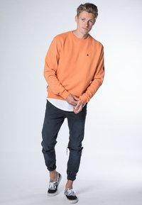 alife & kickin - VINCENT  - Sweatshirt - peach - 1