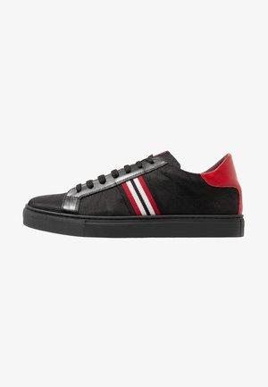 SKATE - Zapatillas - nero/rosso