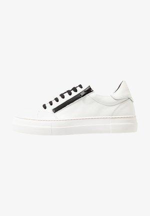 ZIPPER - Sneakers - bianco