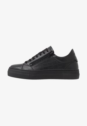 ZIPPER - Sneakersy niskie - black