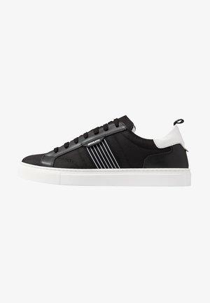 BREDA  - Trainers - black