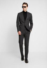 Antony Morato - SLIM JACKET BONNIE PANTS  - Kostuum - black - 1