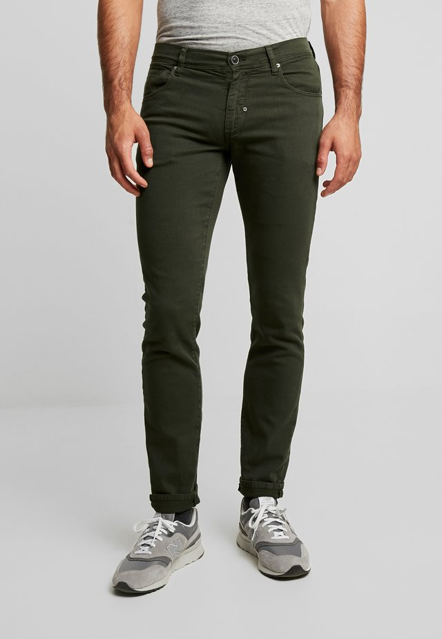 PANTS BARRET - Jeans Slim Fit - military green