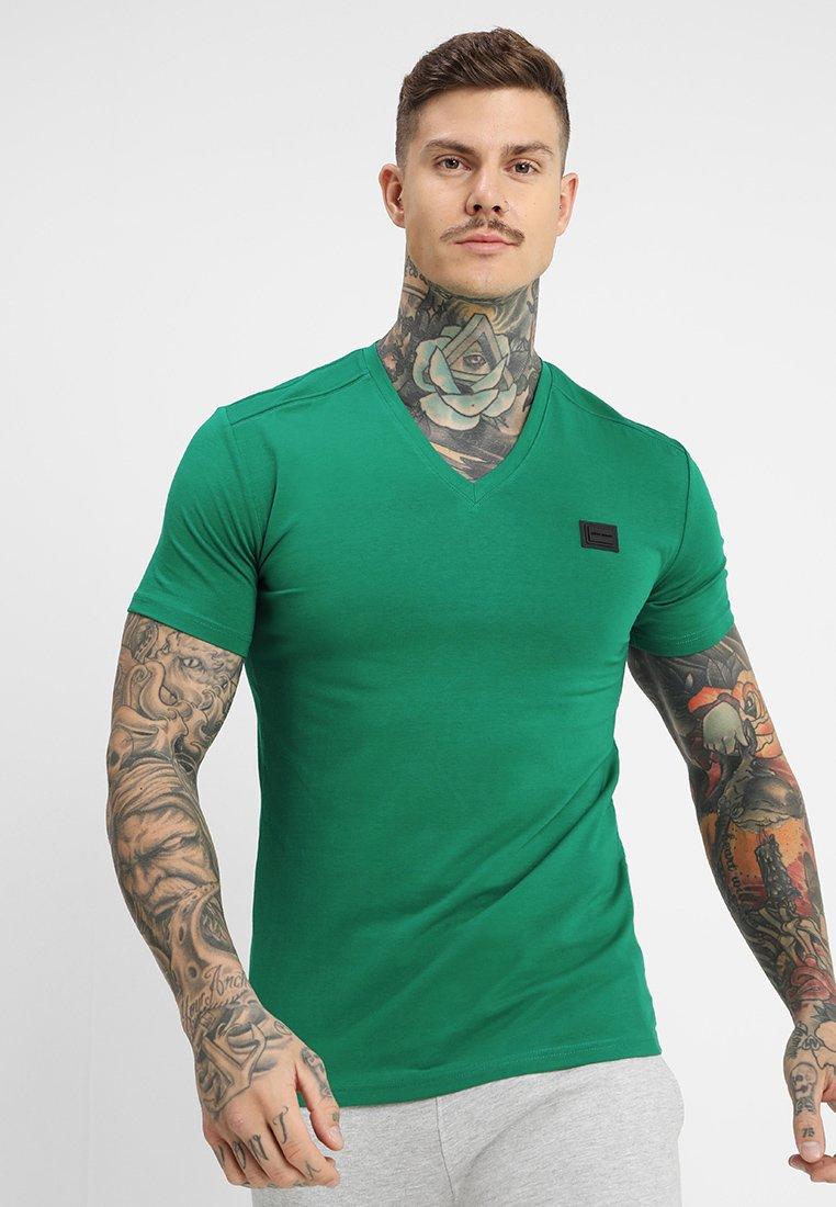 Antony Morato - SPORT V-NECK WITH METAL PLAQUETTE - T-shirts - verde