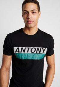Antony Morato - ROUND COLLAR WITH FRONT - Camiseta estampada - black - 4