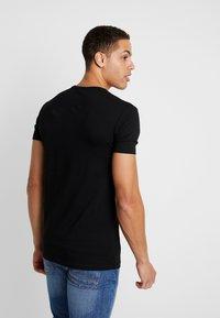 Antony Morato - ROUND COLLAR WITH FRONT - Camiseta estampada - black - 2