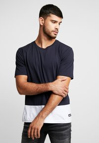 Antony Morato - ROUND NECK COLLAR WITH CONTRAST COLOUR ON BOTTOM BODY - T-shirt med print - ink blue - 0