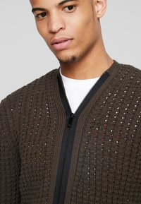 Antony Morato - WITH FRONT ZIP - Cardigan - military green - 3