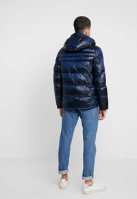 Antony Morato - COAT WITH DETACHABLE HOOD AND PATCH - Zimní bunda - blue lapis - 2