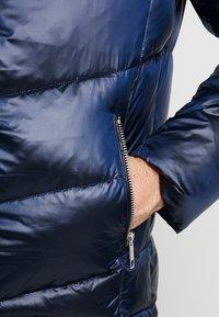 Antony Morato - COAT WITH DETACHABLE HOOD AND PATCH - Zimní bunda - blue lapis - 5