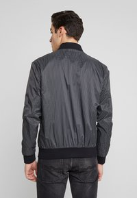 Antony Morato - FRONT ZIP AND TAPE ON SHOULDER - Bomber Jacket - black - 2