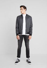 Antony Morato - FRONT ZIP AND TAPE ON SHOULDER - Bomber Jacket - black - 1