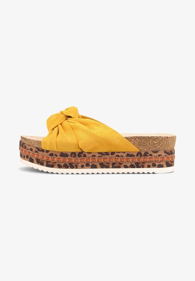 TREND - Heeled mules - gelb