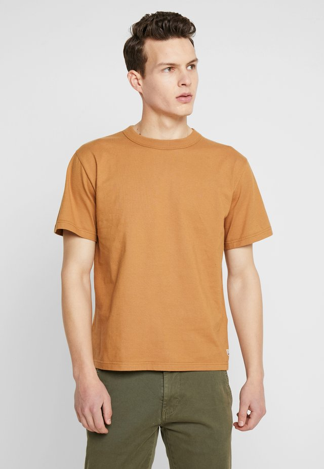 CALLAC - T-shirt basic - origine