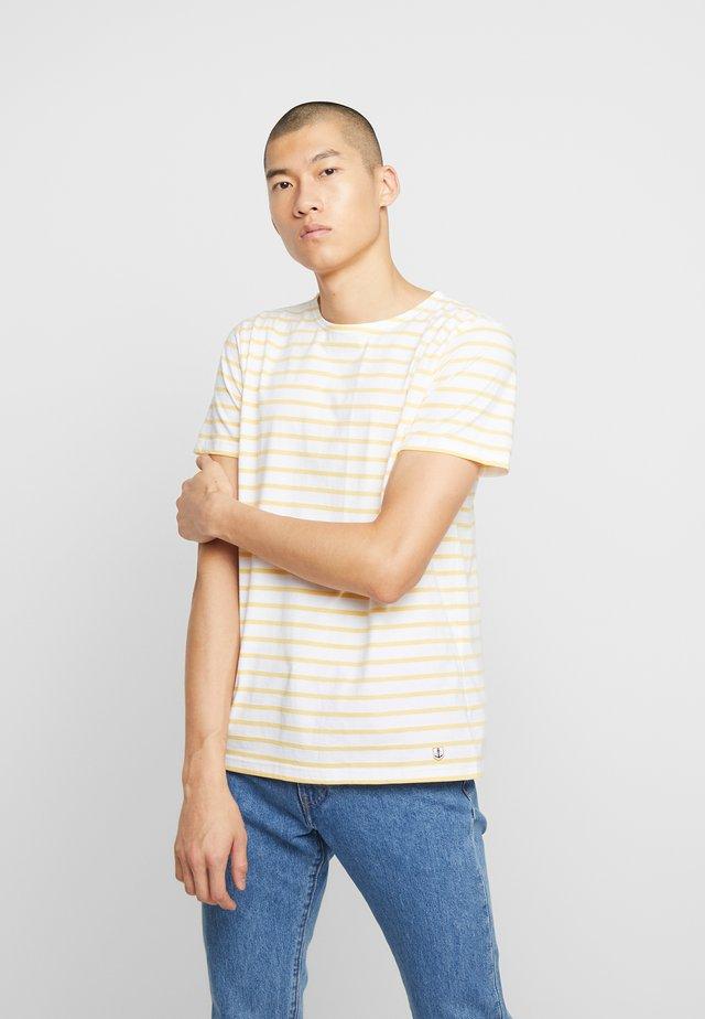 HOËDIC TEE - T-shirt med print - blanc/blondeur