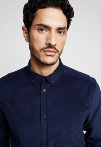 Anerkjendt - KONRAD - Camisa - dark blue - 3