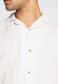 Anerkjendt - AKLEO - Shirt - tofu - 4