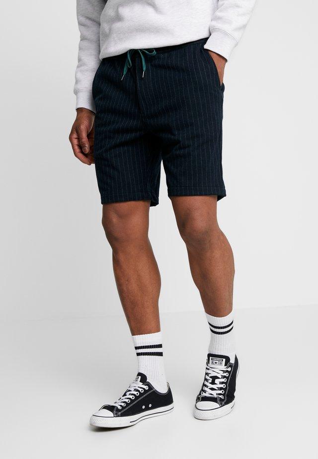 AKSAVA SHORTS - Shorts - indigo