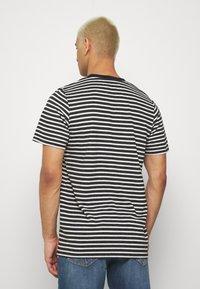 Anerkjendt - AKROD - T-shirts print - caviar - 2