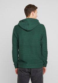 Anerkjendt - AKTHOMAS  - Jersey con capucha - green - 2