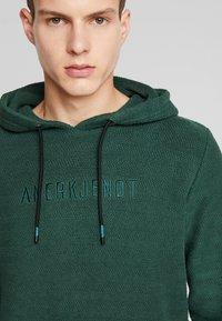 Anerkjendt - AKTHOMAS  - Jersey con capucha - green - 4