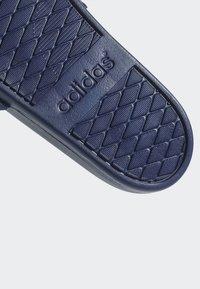 adidas Performance - ADILETTE CLOUDFOAM PLUS LOGO SLIDES - Badesandale - blue/white - 9