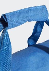 adidas Performance - LINEAR CORE DUFFEL BAG SMALL - Sports bag - blue - 5