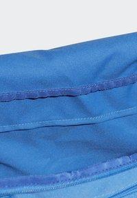 adidas Performance - LINEAR CORE DUFFEL BAG MEDIUM - Sports bag - blue - 3