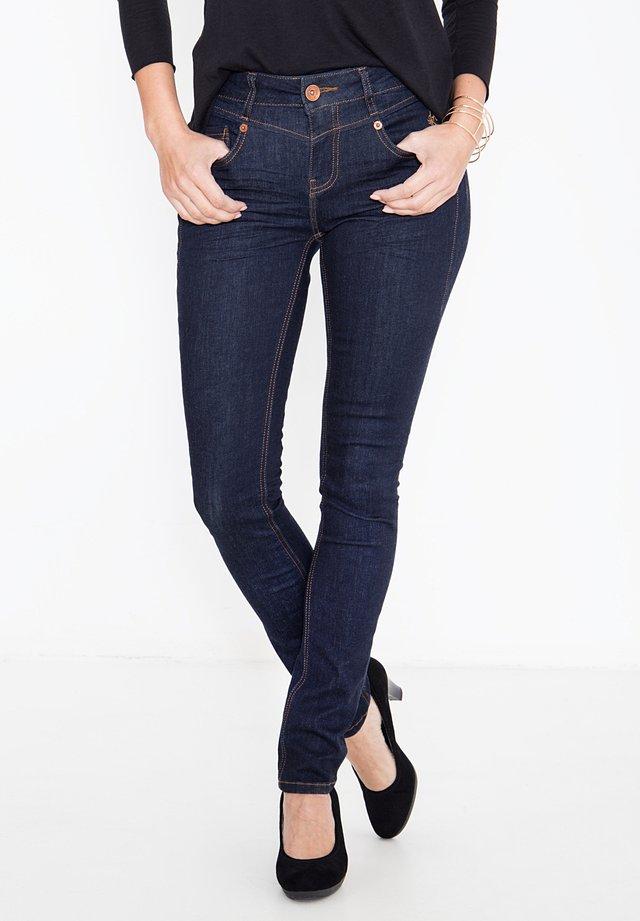 MIT PASSENNAH - Slim fit jeans - rinsed
